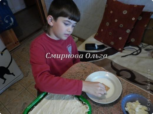 Тортик очень прост в приготовлении... Его может сделать и 3-х летний ребёнок под руководством родителя. фото 16