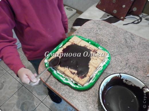 Тортик очень прост в приготовлении... Его может сделать и 3-х летний ребёнок под руководством родителя. фото 20