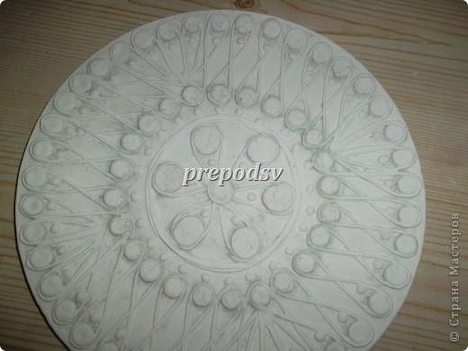 Решила показать как я делаю тарелки из газет.Это последняя тарелка, она для бело-голубой кухни. А теперь обо всем подробно. фото 10