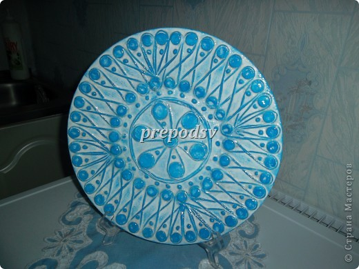 Решила показать как я делаю тарелки из газет.Это последняя тарелка, она для бело-голубой кухни. А теперь обо всем подробно. фото 12