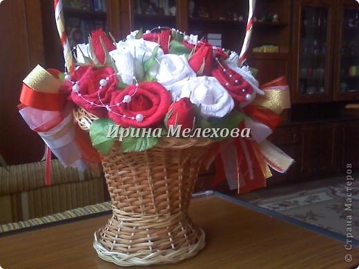 Рафаэльные розы на день рождения. Имениннице 50 лет. роз 35. исходя из возраста и розы посолидней, не такие лёгкие как в прошлом подобном фото 3