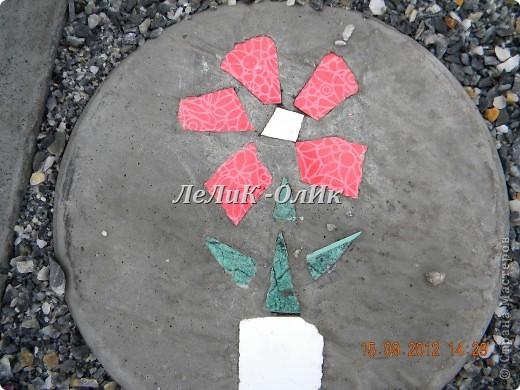 Мастер-класс Фоторепортаж Мозаика Плитка тротуарная для огорода своими руками Материал бросовый Песок Проволока фото 20
