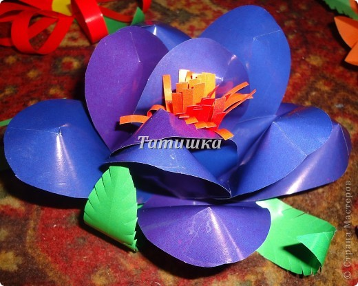 соседка попросила сделать цветы на праздник в детский сад.с радостью согласилась и сразу взялась стряпать.все идеи брала здесь в стране мастеров. фото 4
