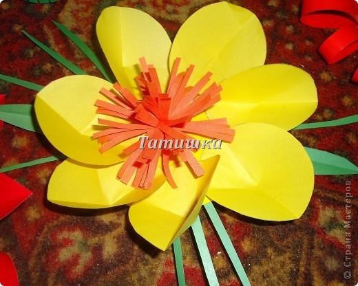 соседка попросила сделать цветы на праздник в детский сад.с радостью согласилась и сразу взялась стряпать.все идеи брала здесь в стране мастеров. фото 7