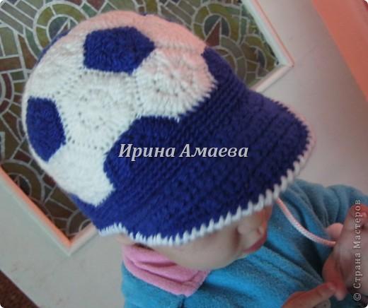 Всем привет!!! Пинетки-кеды и кепку в виде футбольного мяча я связала в подарок малышу на годик. фото 29