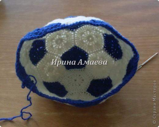 Всем привет!!! Пинетки-кеды и кепку в виде футбольного мяча я связала в подарок малышу на годик. фото 20