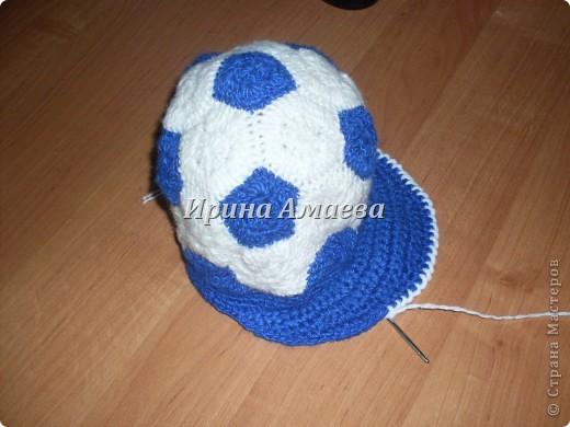 Всем привет!!! Пинетки-кеды и кепку в виде футбольного мяча я связала в подарок малышу на годик. фото 25