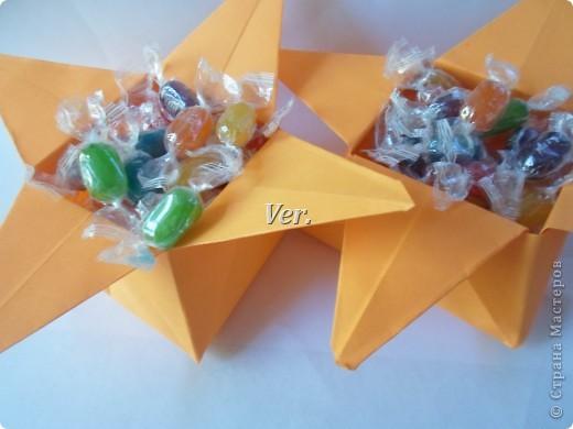 Такие вот коробочки можно использовать как конфетницу,или просто как упаковку под подарок:) фото 1