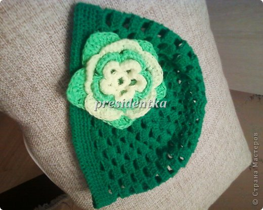 Первая шапочка для дочки!! Очень давно не вязала!!!!И вообще шапочек не вязала!!Взяла самый простой узор! фото 1