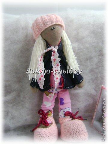 Еще одна куколка. плащик с капюшоном и на подкладке, гамаши, вязаная шапка и ботинки на шнурках фото 1