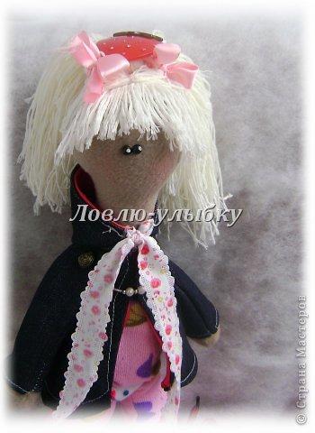 Еще одна куколка. плащик с капюшоном и на подкладке, гамаши, вязаная шапка и ботинки на шнурках фото 3