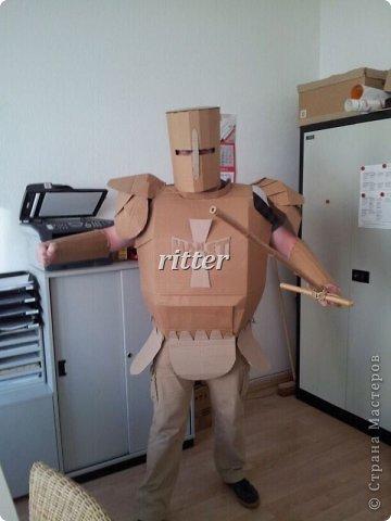 Как сделать костюм рыцаря из картона своими руками