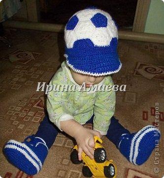 Всем привет!!! Пинетки-кеды и кепку в виде футбольного мяча я связала в подарок малышу на годик. фото 31