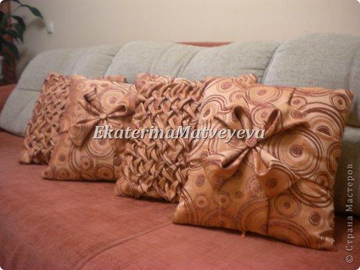 Интерьер Мастер-класс Шитьё Декоративная подушка выполненная в технике буфы  Ткань фото 1