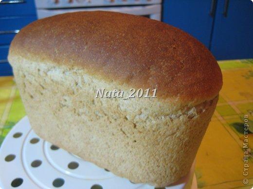 Простой серый хлеб. Хлеб вкусный, однако на мой вкус много меда. фото 1