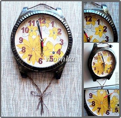 """Это мои первые реставрированно-задекупаженные часы!  Был немного поврежден корпус - пришлось даже """"наращивать"""" картоном, шпатлевкой уголок... Изначально представляла их не такими, поэтому даже сейчас смотрю - и мне кажется чего-то не хватает(("""