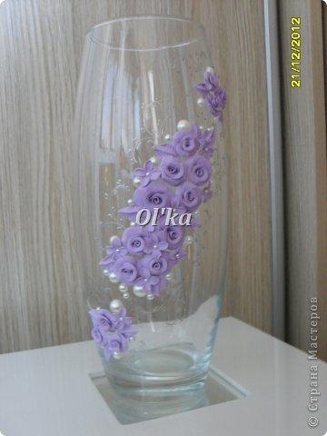 Здравствуйте, Мастерицы!!!! Хочу показать Вам свои новые работы с цветочками из пластики. Моя первая ваза. Сделана на заказ.  фото 4