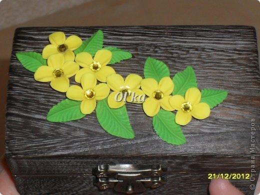 Здравствуйте, Мастерицы!!!! Хочу показать Вам свои новые работы с цветочками из пластики. Моя первая ваза. Сделана на заказ.  фото 7