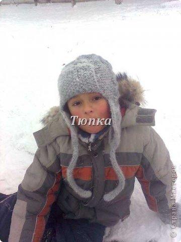Вот такая теплая шапка получилась для сына. Носим с начала холодов, смотрится отлично и очень удобная получилась! фото 1