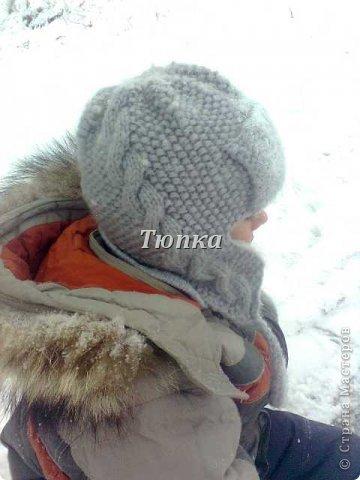 Вот такая теплая шапка получилась для сына. Носим с начала холодов, смотрится отлично и очень удобная получилась! фото 2