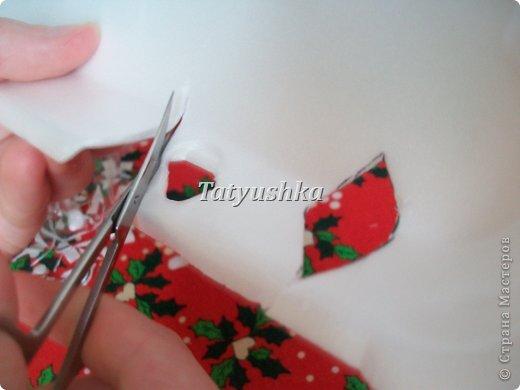 Здравствуйте, мастера и мастерицы! Предлагаю посмотреть, как можно сделать или попробовать самим сделать простые цветочки из упаковки от яиц.  фото 38
