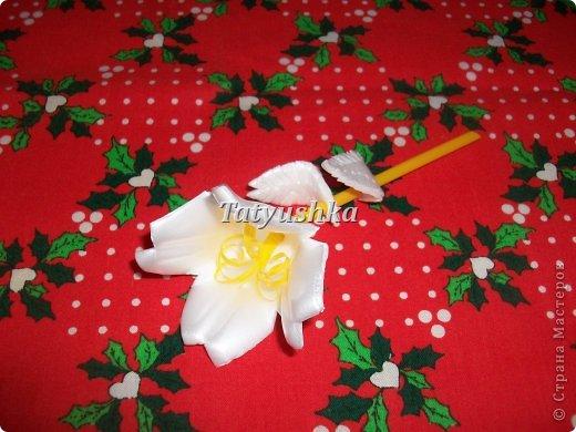 Здравствуйте, мастера и мастерицы! Предлагаю посмотреть, как можно сделать или попробовать самим сделать простые цветочки из упаковки от яиц. фото 2