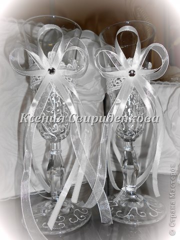 Использованы: дорогая жаккардовая ткань, кружево, цветы ручной работы с сердцевиной из жемчужинок разной величины. фото 7