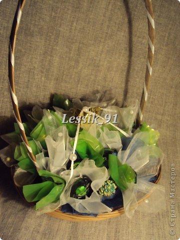 это еще новогодний букет! сделаны цветы из органзы - белой и синей! фото 2