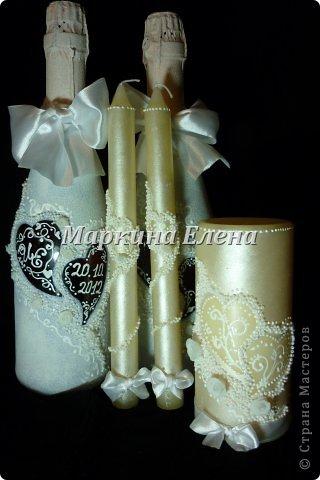 Бутылочки с шампанским уже на свадебном столе) В сердечках - инициалы жениха и невесты и дата свадьбы. фото 5