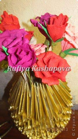 Цветы из гофрированной бумаги. фото 3