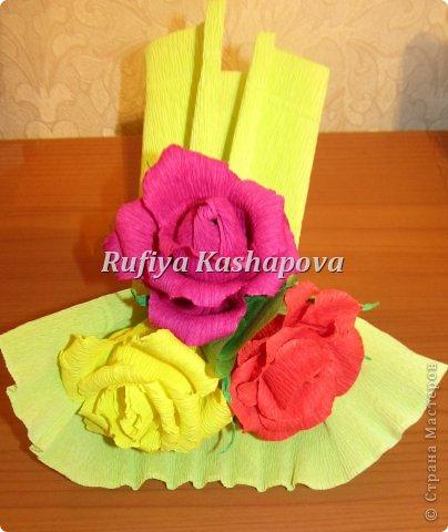 Цветы из гофрированной бумаги. фото 5