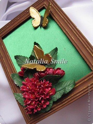 Бабочки... Так хочется весны и тепла...  Я решила сделать что-то весеннее. Взяла рамку, покрасила и немного состарила ее. Приклеила, так называемый, натюрморт))  Цветочки и бабочки выполнены из полимерной глины Deco.  фото 2