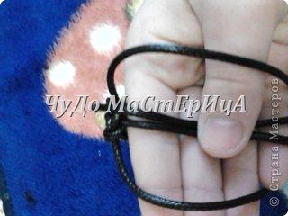 Браслет шамбала толстой нитками муляне либо веревочками либо же шнурками Нам понадобятся два отрезка нашей верёвочки ниточки . Один 40-45 см. Второй 120-125 см. фото 11