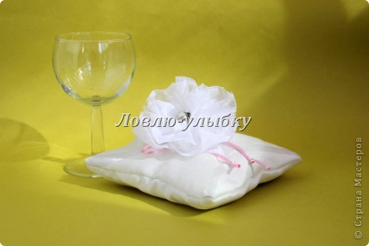 Мастер-класс Поделка изделие Свадьба Шитьё Подушечка для колец Ленивый способ Ткань фото 10