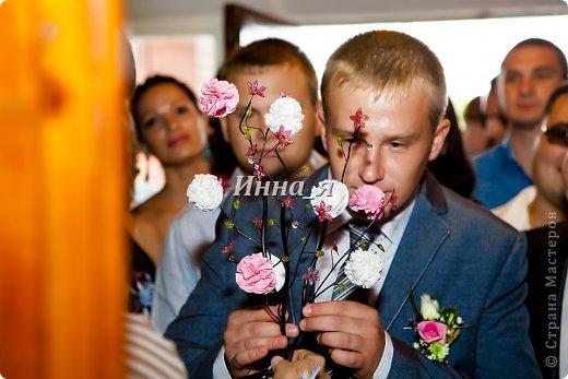 Всем привет! Мой фото отчет  выкупа со свадьбы сестры. Хочу выразить огромную благодарность Ирине Рязаночке за идею столь великолепного выкупа.Здесь полный сценарий  http://stranamasterov.ru/node/219632. Только у нас вместо Лилии была Белая роза! Все гости были восторге.    Охрана! фото 8