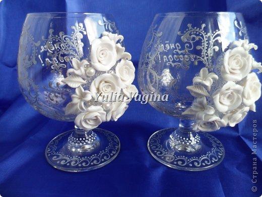 Получила заказ на оформление юбилейных свадебных бокалов для вручения в день города, вот, что у меня получилось... фото 2