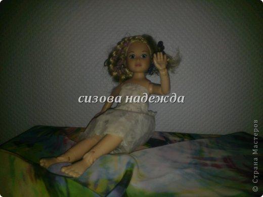 """Первый раз участвуем в конкурсе и этот конкурс  https://stranamasterov.ru/node/597427 называется """"Цветочная поляна"""".Начала я делать костюм фиалки и тут мне Олюшка говорит:""""Не хочу быть фиалкой, а  хочу быть цветочной королевой!"""" Ну и я не стала с ней спорить,поэтому встречайте- моя цветочная королева!А пока она позирует расскажу про платье. Легкое платье  сшито и полупрозрачной ткани сложенной вдвое (выкройку делала сама).Прическу делала тоже я . P.S:Прошу прощения за фото снимала на телефон. фото 4"""