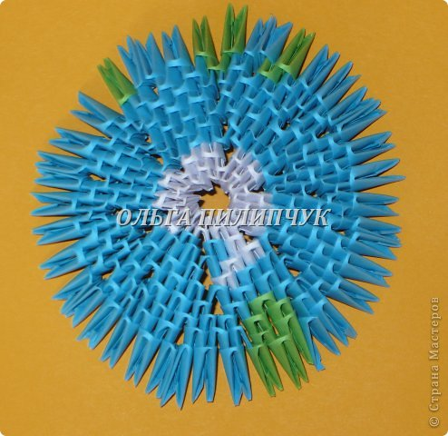 Для глобуса понадобится всего - 1063 треугольных модулей. синих - 722 модуля зелёных - 304 модуля белых - 37 модулей фото 13