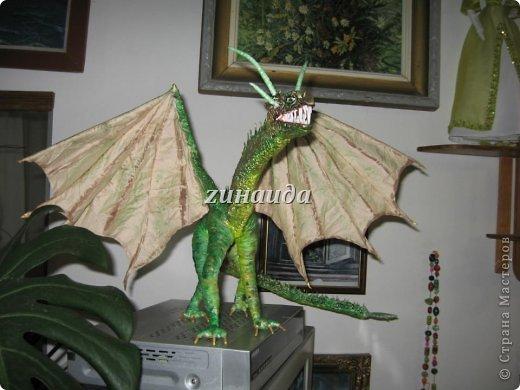 Авторская кукла Дракон Смауг,рост 35 см.,в ширину 63 см.,в длину 52см.,в единственном экземпляре,2012 г.. фото 2