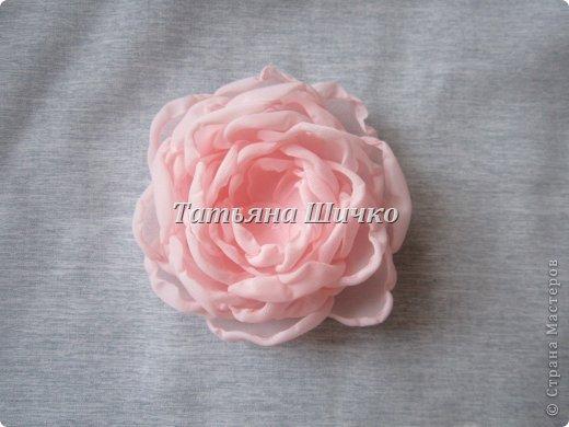 МК розы из капрона фото 9
