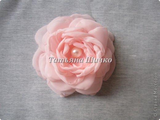 МК розы из капрона фото 8