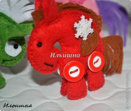 Мастер-класс Поделка изделие Новый год Шитьё Лошадки-малышки из фетра + МК Фетр фото 30