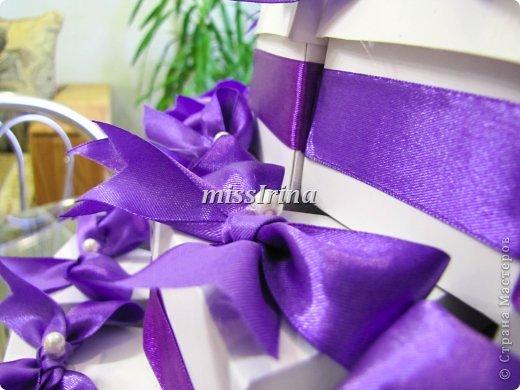 Сделать свадьбу по-настоящему запоминающейся очень легко. Чтобы это событие получилось особенным и неповторимым, подготовьте бонбоньерки – милые памятные подарочки для гостей, которые станут для них неожиданным приятным сюрпризом. фото 5