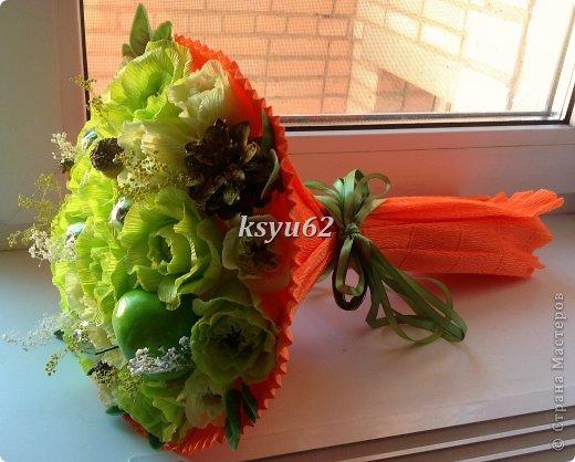 """Добрый день! Хочу показать Вам новый букет. Использованы конфетки """"Nue"""", сухоцветы, желуди с искуственной основой и натуральной шляпкой и, нелюбимые мной, искуственные листья.   фото 8"""