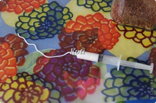 А вот и второй вариант преображения бутылки. Прототипом является бутылка в технике пейп-арта Тани Сорокиной https://stranamasterov.ru/node/308701?tid=451. Хотелось освоить ее технику, но... фото 3