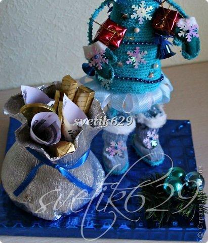 Новый год к нам мчится -скоро все случится! Я уже начинаю делать подарки для родных и близких ,а ВЫ? Хочу рассказать как быстро и без особых затрат сделать очаровательные корзиночки. Такой подарок порадует не только ребенка ,но и взрослого.  фото 5