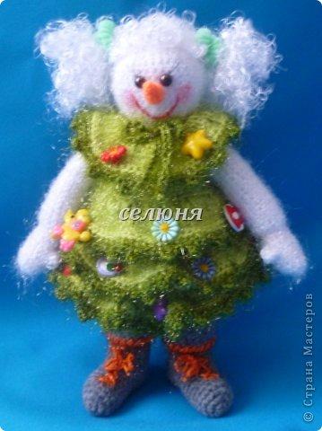 Вот какая Девчушка-Снеговушка появилась у меня благодаря крючку, ниткам и ... конечно, старанию. фото 7