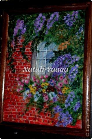 Окно в цветах. Моя из первых работ. Работа выполнена в стиле шерстяная акварель.  фото 1