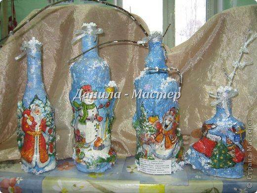 """Всем привет ещё раз! Представляю вам мои новогодние работы на конкурс """"Зимние фантазии"""". Вот такие 4 бутылочки у меня получились."""