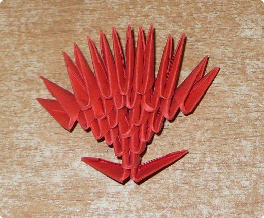 Для одного сердца понадобится 37 красных (или синих) модулей 1/32  Для подставки 26 красных модулей и 30 синих (или белых) модулей 1/32 фото 10
